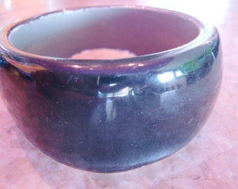 BLACK CLEAR & GREY Laminated Asymmetrical Tapered Thick Chunky Vintage Lucite Bangle Bracelet As Is Shown