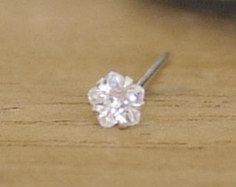 Tiny Crystal Flower nose Stud  /Tiny Crystal nose Stud / Crystal Nose Piercing / Tiny Flower  nose stud Cartilage Piercing