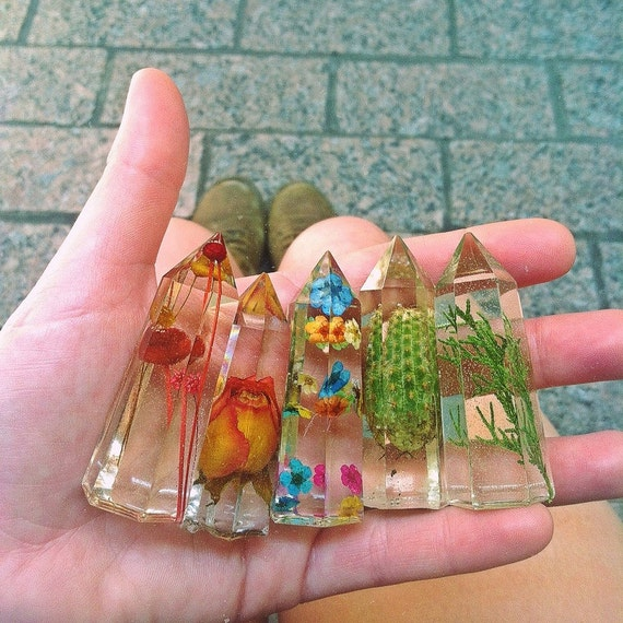 1 - (One) Resin Crystal - Preserved Nature