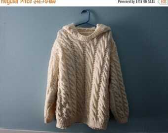ON SALE Vintage handknit cable knit sweater / hooded sweater / Kid's size 8 to 10