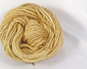 Walnut Natural dyed merino chunky spun single ply yarn. Hand spun, hand dyed -  Pure wool yarn. 19 micron  super soft merino