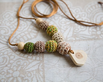 Forest colors Nursing necklace - teething toy - Babywearing - breastfeeding - juniper - pendant