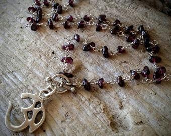 "Natural Smooth Garnet Gemstone Pebble Chain Om Charm Symbol Necklace 16"" Long Toggle Closure N-0005"