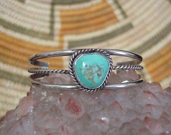 Vintage Navajo Turquoise & Sterling Silver Cuff Bracelet c1970