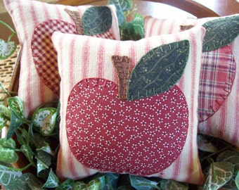 APPLES Bowl Filler Pillow Tucks