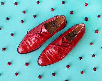 Italian vintage statement red patent leather low heel pointy toe dress shoes 39 8.5