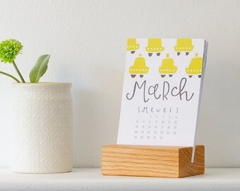 2016 desk calendar with wood stand