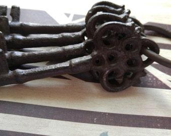 "Large Cast Iron Skeleton Keys with Ring Jailers Keys Castle Keys 4.5"" 4 pieces Unique Heavyweight Keys Big Keys Jail Keys"