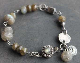 Labradorite and silver artisan bracelet - earthy and flashy labradorite OOAK boho jewelry layering bracelet, rustic silver gemstone bracelet