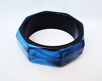 Vintage black & blue plastic bracelet Retro jewelry from 60s