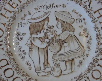 A Good Mother Makes A Happy Home plate by Norma Sherman 1974 England