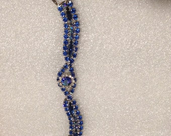 beautiful vintage blue rhinestone bracelet
