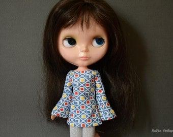 Bell sleeved blue patterned retro mod style dress for Blythe Pullip Dal licca and similar dolls