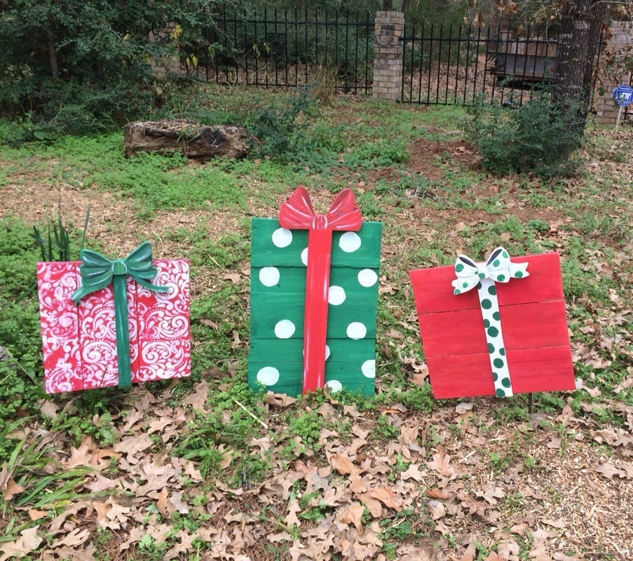 Christmas gift yard decor wooden gift outdoor by for Christmas lawn decorations