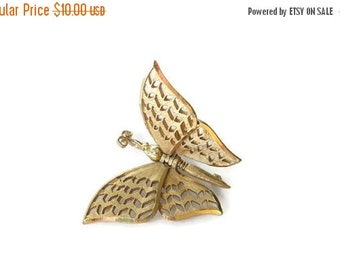 ON SALE Vintage Gold tone Flying Butterfly Brooch Articulating Pin, Whimsical Jewelry