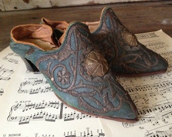19th C French Leather Shoes Rare Antique Collectors Mid Victorian Era Embroidery