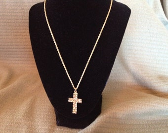 Vintage Goldtone Necklace with Goldtone Cross Pendant, Length 20''