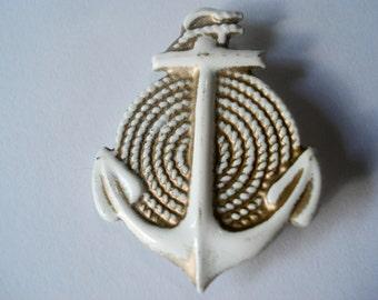Vintage anchor pin