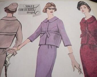 Vintage 1960's Vogue 135 Couturier Design Jacket Skirt Suit Sewing Pattern, Size 12 Bust 32