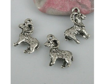 8 RAM Charms Detailed Big Horned SHEEP Silver Tone Animal Jewelry Supply 3-D 19mm