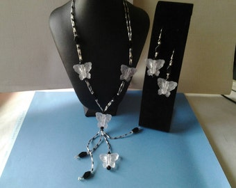 Beautiful Butterfly Necklace and Earring Set