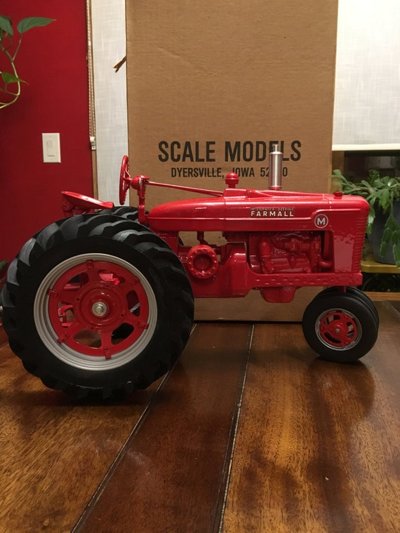 Ertl 1 8 Scale Farmall Model M Tractor Signed By