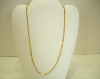 Gorgeous Gold Tone Chain Necklace (8239)