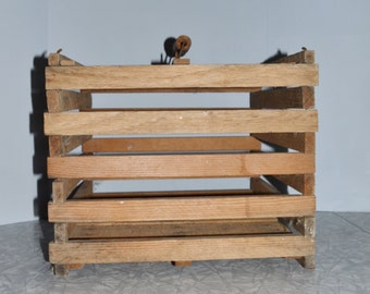 Wood Egg Crate ~ Primitive Crate ~ Rustic Decor ~ Farmhouse ~ Country ~ Epsteam