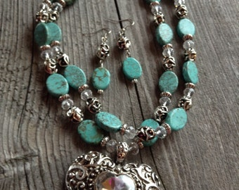 Chunky western rhinestone heart and turquoise magnesite necklace and earring set