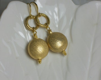 Drop Earrings Gold Textured Modern Fun Jewelry Jewellery Matte Gold Satin Finish Flirty Fashion Earrings