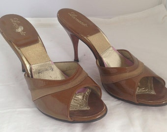 1950s caramel suede and patent leather springolator stilettos - AU 7 / EU 37