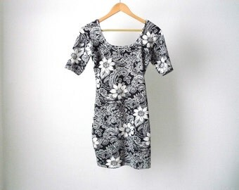 90s floral GRUNGE jersey body con petite stretchy fitted DRESS black and white mid 90s vintage clueless era dress