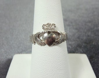 Sterling Silver Claddagh Ring Sz. 7 1/4 R186