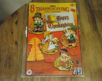 Package of 8 Vtg Beistle Co. Thanksgiving Holiday Pilgrims Cardboard Cut-Outs Honeycombs Poster Bulletin School Room Decoration Ephemera