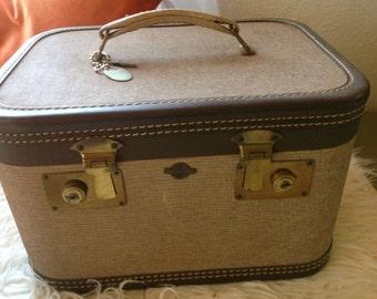 Vintage Travel Joy Train Case / Cosmetic Case Luggage Suitcase with key mirror