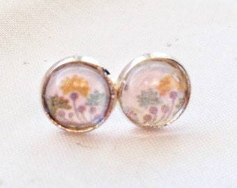 Delicate pastel flowers, earrings cabochons 8 mm on shank, gifts for her, vintage, floral delicate look stud cabochon earrings