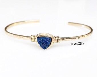 Sapphire Blue Triangle Druzy Cuff / Gold Druzy Bracelet / Arrow Cuff Bracelet / Geode Cuff Bracelet / Geometric Cuff / Blue Quartz