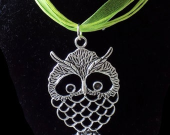 Owl Pendant Necklace in Silver and Green