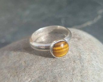 Sterling silver and tigers eye ring. Size N-O.