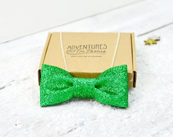 Green Glitter Bow Tie Necklace | Jewellery | Glitter Jewelry | Glitter Accessory | Silver Plated | Hen Party | Gift for her | Bridal Party