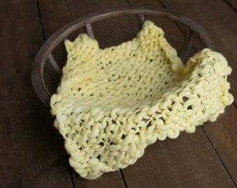 Newborn prop blanket, Thick and thin Bump Blanket, Chunky Knit Layering Blanket, Basket Filler, Basket Stuffer, yellow prop Blanket