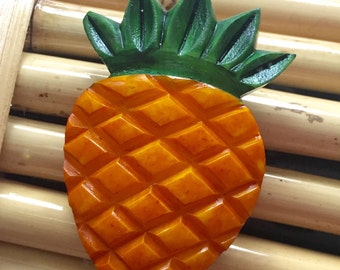 fab-a-lite bakelite pin brooch 1940s look - pineapple reproduction