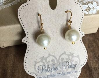Silver pearl earring