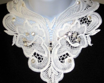 Beige Lace Collar Necklace