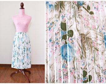 1950s Skirt / VINTAGE / 50s skirt / Blue Roses / Scissor Pleats / Floral / Crepe