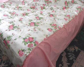 BEDSPREAD  Pink floral taffeta bedspread / vintage 1950 retro bedroom / twin daybed coverlet