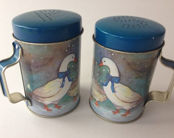Vintage large tin salt and pepper shakers country goose