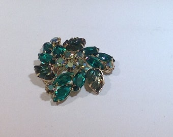 Beautiful Green Brooch with Carved Stones