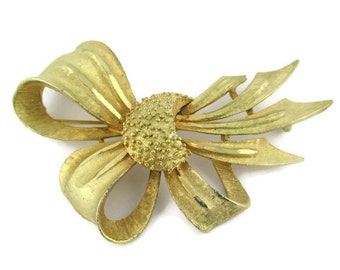 Vintage Large  BSK Gold Tone Bow Pin
