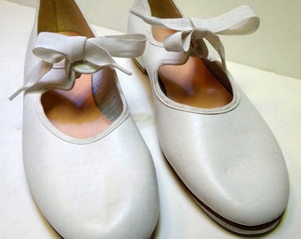 White Tap Dancing Shoes, Womans Size 10M, Professional Tap Shoes for Women, Tap Shoes, Acting, Dance Costume Shoes, Womens Tap Dance Shoes